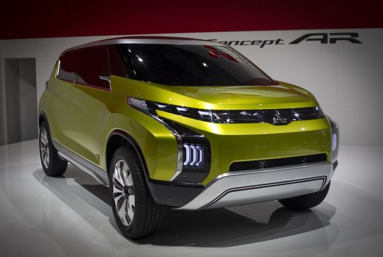 "Irmanto Gelūno/15min.lt nuotr./""Mitsubishi Concept AR"" Ženevos automobilių parodoje"