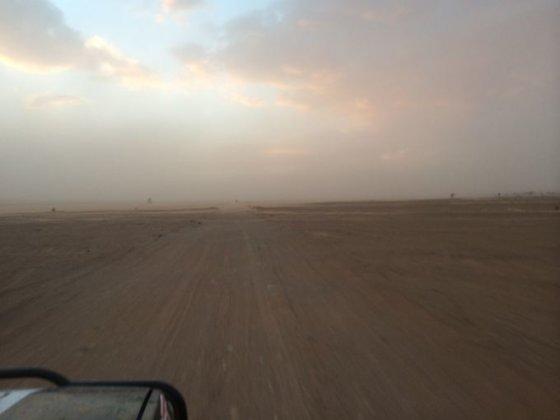Roko Kaukėno nuotr./Smėlio audros pradžia
