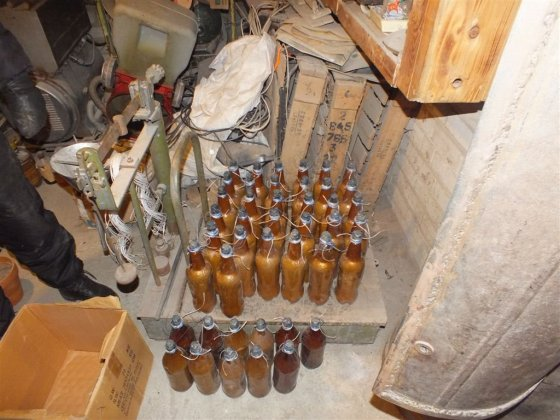 Policijos nuotr./Romaldo Sukarevičiaus pagaminti sprogmenys ir sprogdinimai