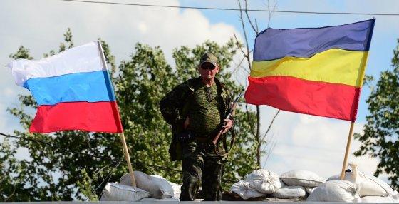 """AFP/""""Scanpix"""" nuotr./Ukrainos radikalai reikalauja nutraukti paliaubas su separatistais"""