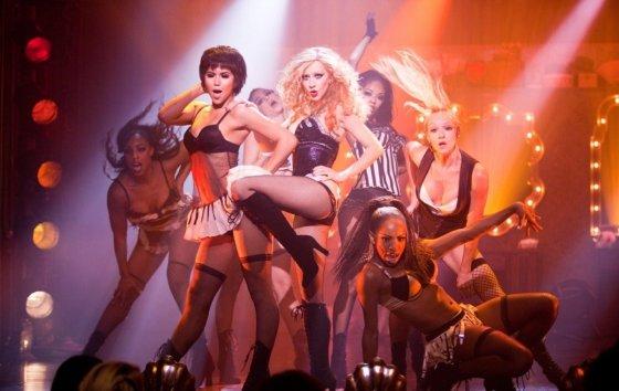 "Kadras iš filmo/""Burleska"" (""Burlesque"", 2010, IMDb – 6,3)"