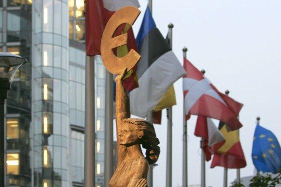 Kęstučio Vanago/BFL nuotr./Statula prie Europos parlamento Briuselyje