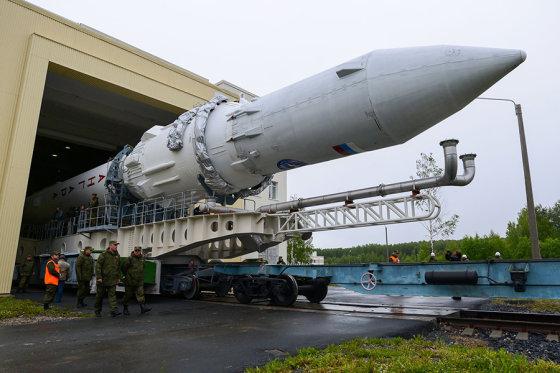 """mil.ru/Raketa """"Angara 1.2PP"""" ruošiama skrydžiui"""