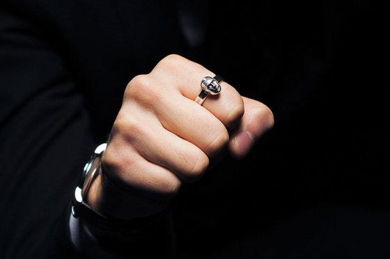 putinversteher.ru nuotr./Žiedas su V.Putino galva