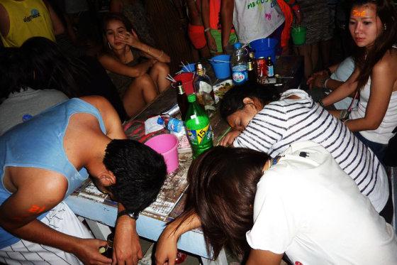 Lucas Cwierz nuotr./ Pilnaties vakarėlis Koh Phangan saloje