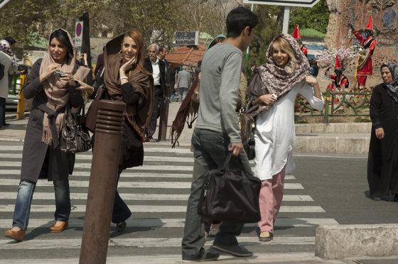 Martyno Mažeikos nuotr./Irano moterys nori būti panašios į europietes