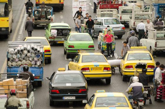 Martyno Mažeikos nuotr./Teherano gatvė