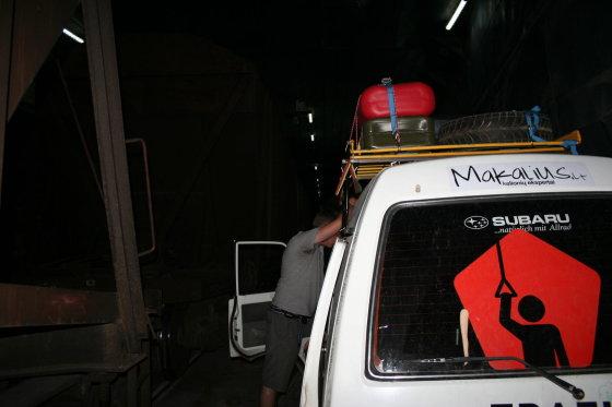 Go Bananas komandos nuotr./Papuolėm į keltą šalia krovininių vagonų