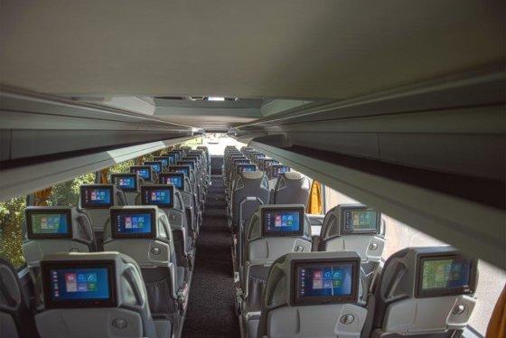 Ecolines nuotr./Kiekvienas keleivis gali naudoti planšetę