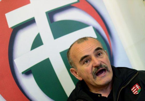 """""""Reuters""""/""""Scanpix"""" nuotr./Jobbik kandidatas ir Naujosios Vnegrijos gvardijos vadas Istvanas Meszarosas"""