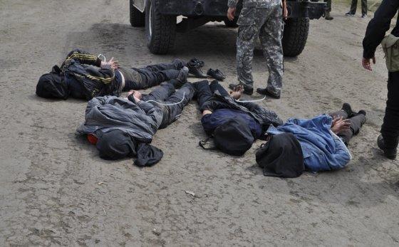 mil.gov.ua nuotr./Slovjanske sulaikyti separatistai, įtariami apšaudę Ukrainos karinį malūnsparnį