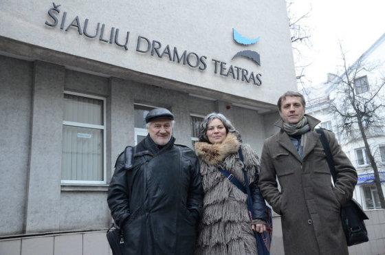 Šiaulių dramos teatro nuotr./J.Vaitkus su kūrybine komanda