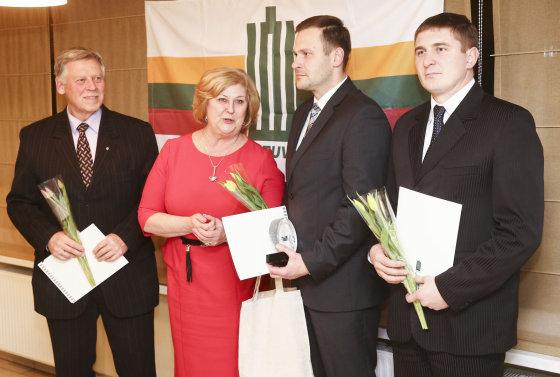 Luko Balandžio/Žmonės.lt nuotr./Rimantė Šalaševičiūtė įteikė apdovanojimus