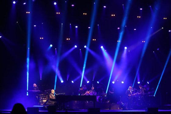 Eltono Johno koncertas Kaune
