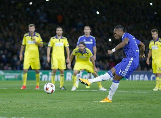 """""""Reuters""""/""""Scanpix"""" nuotr./Didier Drogba realizavo 11 metrų baudinį"""