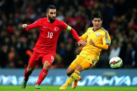 """AFP/""""Scanpix"""" nuotr./Turkijos futbolo rinktinės kapitonas Arda Turanas"""