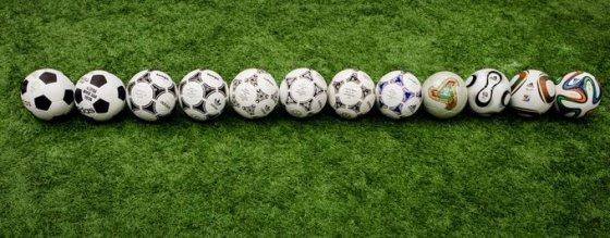 """""""Brazuca"""" su kitais """"Adidas"""" pasaulio čempionatų kamuoliais"""