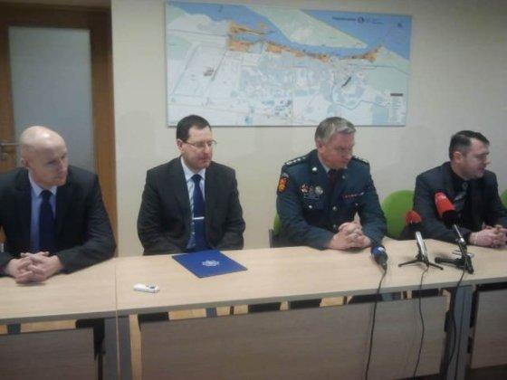 L. Sėlenienės nuotr./V. Dundulio nužudymą tiriantys pareigūnai po įtariamojo sulaikyto surengė spaudos konferenciją