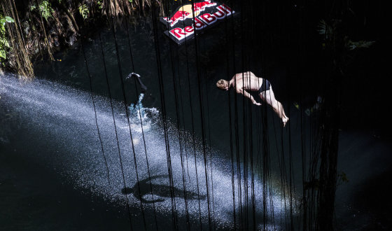 """Romina Amato / """"Red Bull Cliff Diving"""" nuotr."""