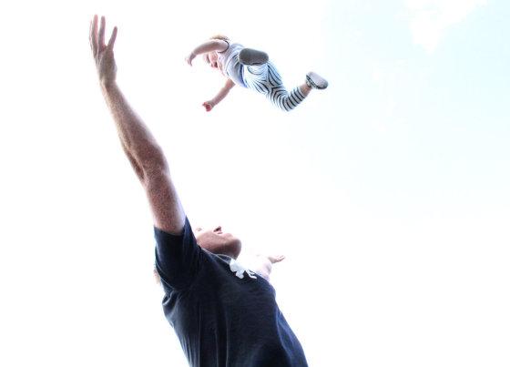 Asmeninio albumo nuotr./Wilmos La vaikinas Jamesas Clarkas ir sūnus Loki