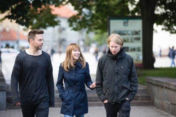 Asmeninio albumo nuotr./Iš kairės: pagrindiniai aktoriai Mikko Nousinen, Marie-Josee Croze, režisierius Mikko Kuparinen