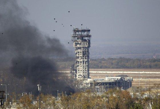 """""""Reuters""""/""""Scanpix"""" nuotr./Donecko oro uosto terminalas beveik visiškai sugriautas."""