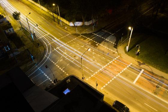 Mato Dauginio/15min.lt nuotr./Vaizdas į Vilniaus gatves nuo daugiabučių stogų