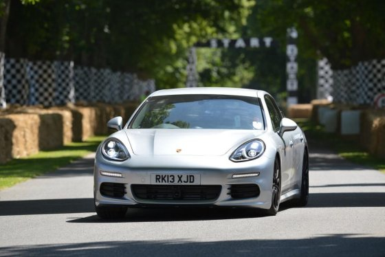 "(Newspress.co.uk nuotr.)/""Porsche Panamera"""