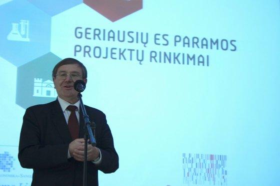 Akimirkos iš apdovanojimų renginio Šiaulių regione