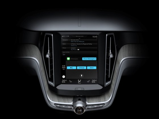 """Volvo"" nuotr./""Apple CarPlay"" paslauga"