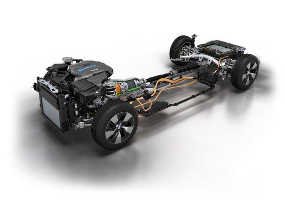 BMW nuotr./Hibridiniai BMW modeliai