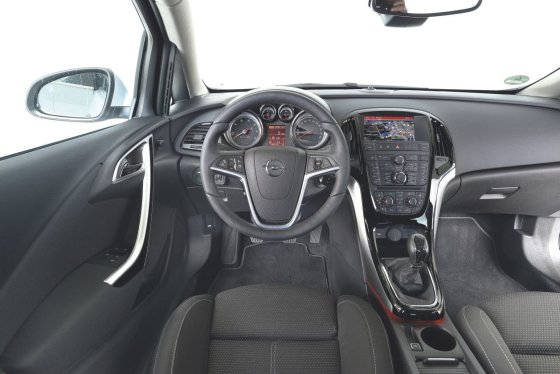 """""""Autobild"""" nuotr./""""Opel Astra"""""""