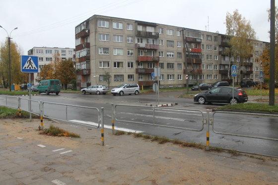 Tomo Markelevičiaus nuotr./Pėsčiųjų perėja ties S.Kerbedžio ir Nevėžio gatvių sankryža