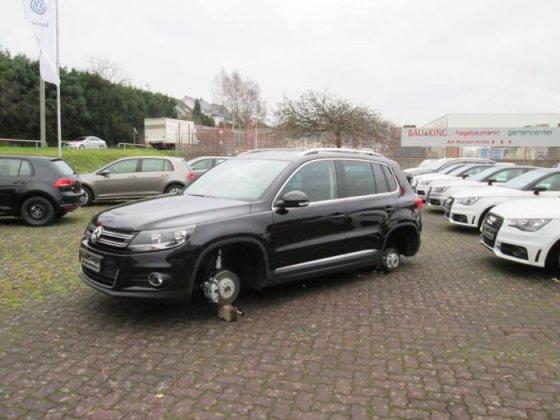 """carthrottle.com nuotr./""""Volkswagen Tiguan"""" be ratų"""