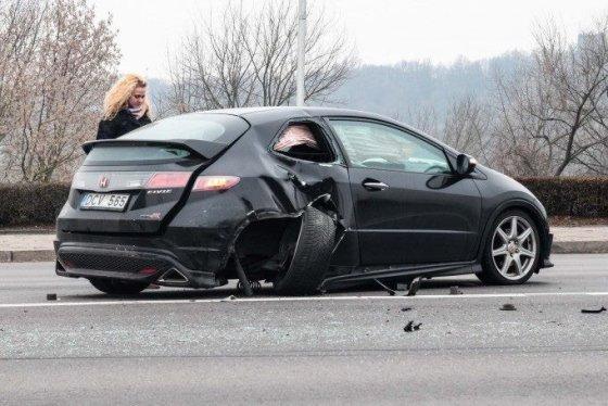"R.Tenio (portalas ""Kas vyksta Kaune"") nuotr./E.Sodeikos automobilis po avarijos"