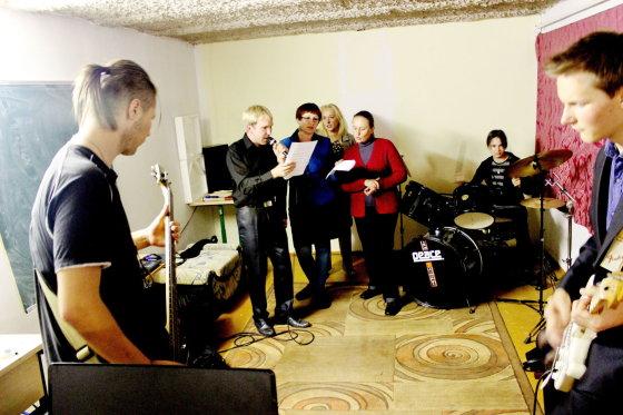 Gretos Kopcikaitės nuotr./Maironio gimnazijos moksleiviai muzikos burelyje