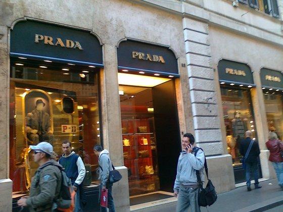 Via Condotti gatvė