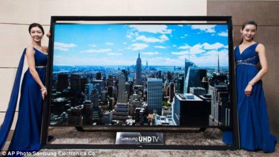 """Scanpix nuotr./Didžiausias pasaulyje """"Samsung"""" televizorius kainuoja maždaug 400 tūkst. litų"""