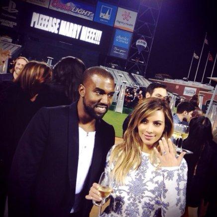 """""""Instagram"""" nuotr./Kanye Westas ir Kim Kardashian per sužadėtuves"""
