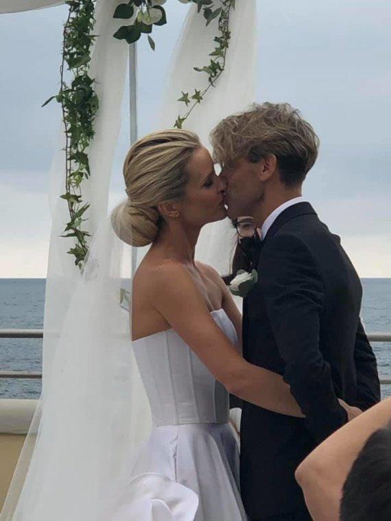 Socialinių tinklų nuotr./Editos Daniūtės ir Mirko Gozzoli vestuvių akimirka