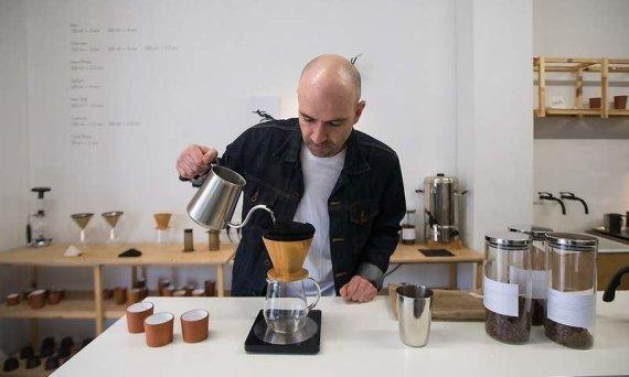 """Asmeninio archyvo nuotr./Emanuelis Ryklys, kavinės """"Crooked Nose & Coffee Stories"""" įkūrėjas"""