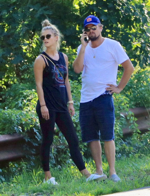 Vida Press nuotr./Nina Agdal ir Leonardo DiCaprio