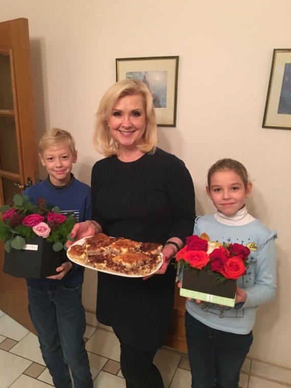 Asmeninio albumo nuotr. /Laima Kybartienė su vaikaičiais