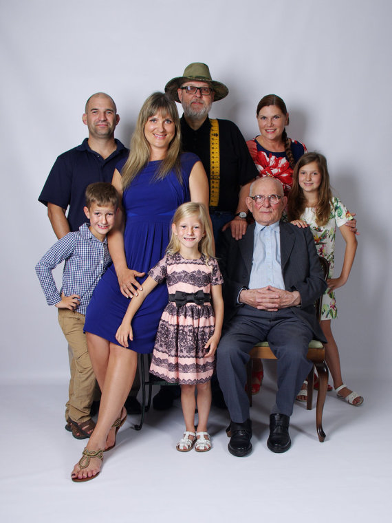 Asmeninio albumo nuotr./Virgis Stakėnas su šeima
