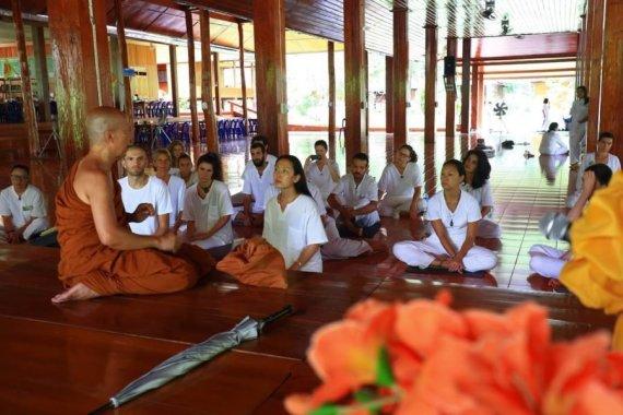 Asmeninio albumo nuotr./Lucky Olego įspūdžiai iš gyvenimo Tailando vienuolyne