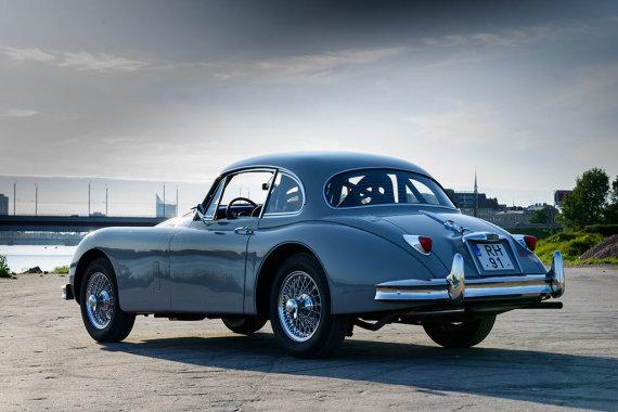 """K.Raišio nuotr./1958 m. """"Jaguar XK150 FHC"""""""