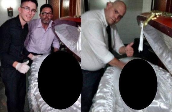 """""""Twitter"""" nuotr./Šermenyse dirbę vyrai fotografavosi šalia D.Maradonos kūno"""