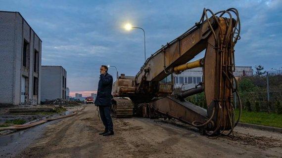 Alytaus miesto savivaldybės nuotr./Alytaus mero Nerijaus Cesiulio naktį laukta sunkioji technika atvyko tik ryte