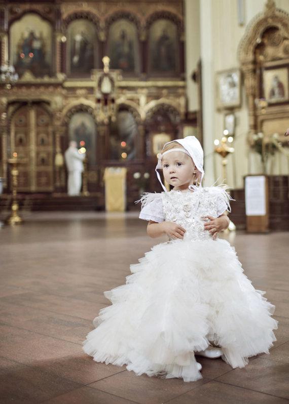 Razauskai Photography nuotr./Viktorijos Siegel ir Danieliaus Bunkaus dukters Nicole krikštynų akimirka