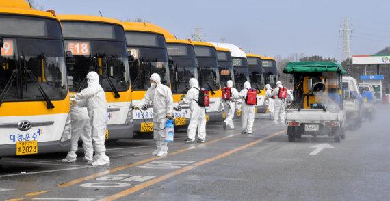 """""""Reuters""""/""""Scanpix"""" nuotr./Kova su koronavirusu Pietų Korėjoje"""